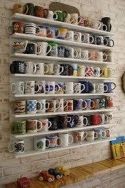 uma coleção de canecas é muito comum .
